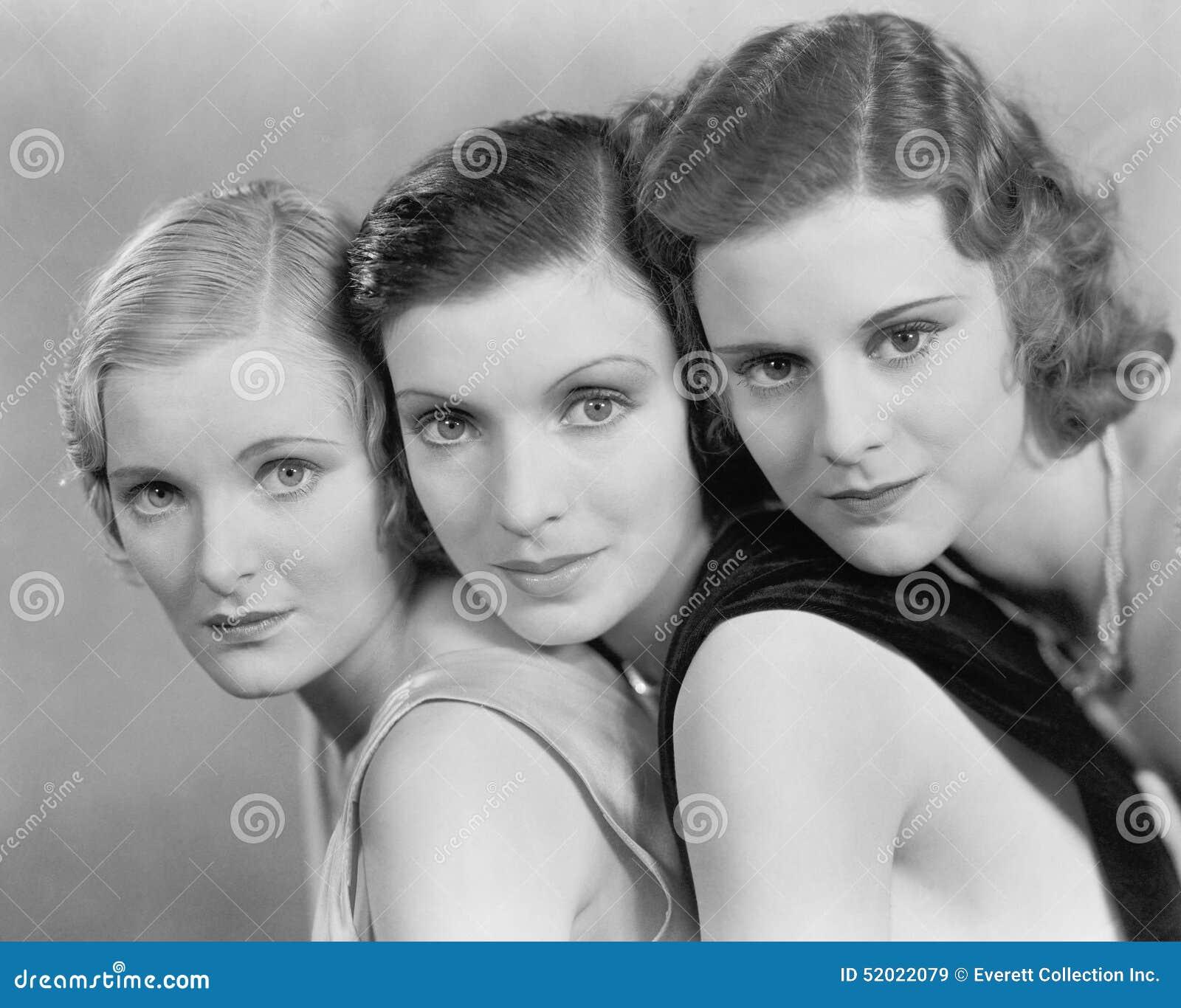 Retrato de tres mujeres (todas las personas representadas no son vivas más largo y ningún estado existe Garantías del proveedor q