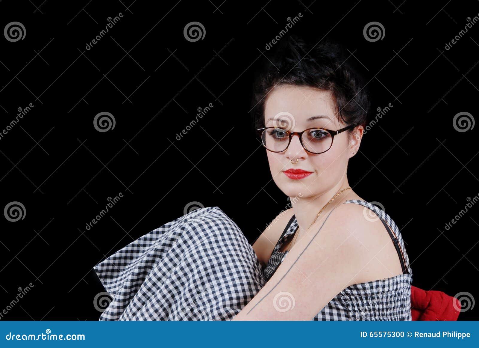 Retrato de um brunette consideravelmente novo