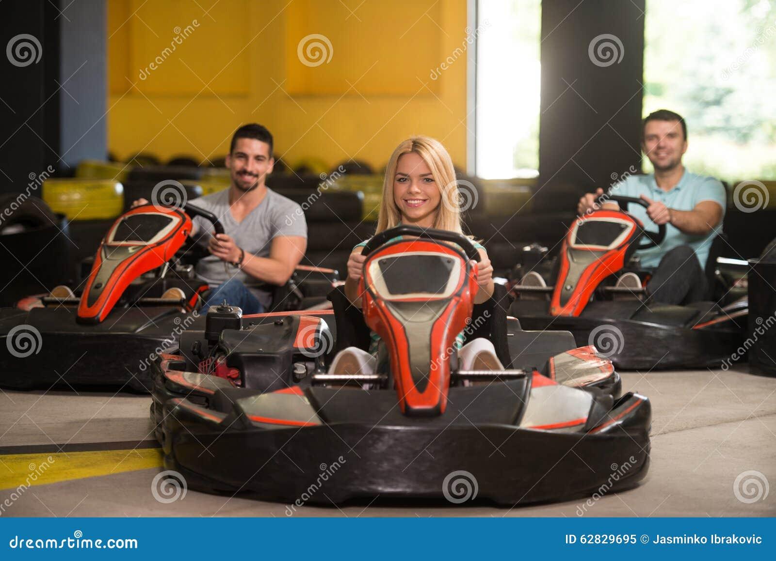 Retrato de um pessoa de Karting da raça