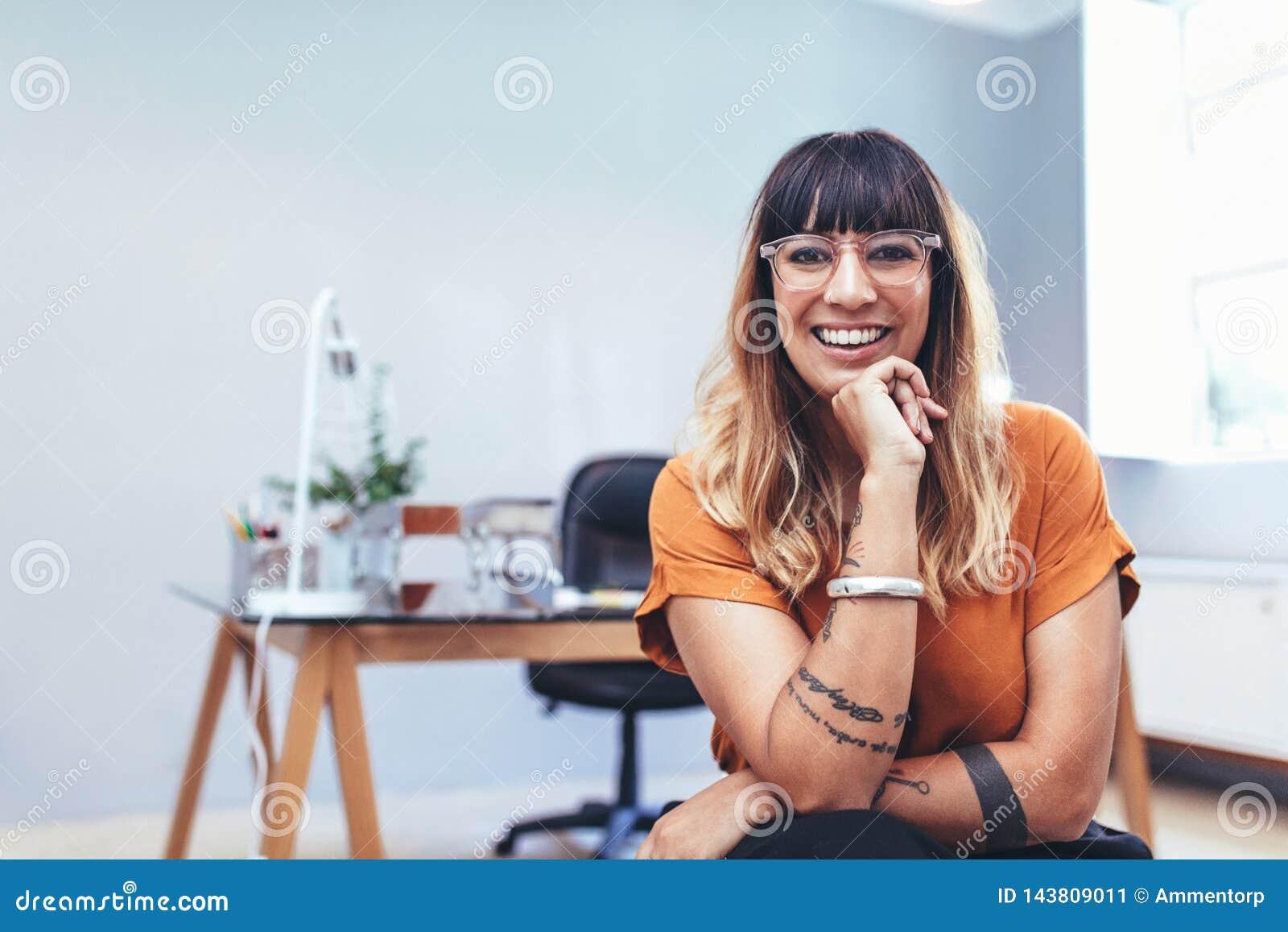 Retrato de un empresario de sexo femenino