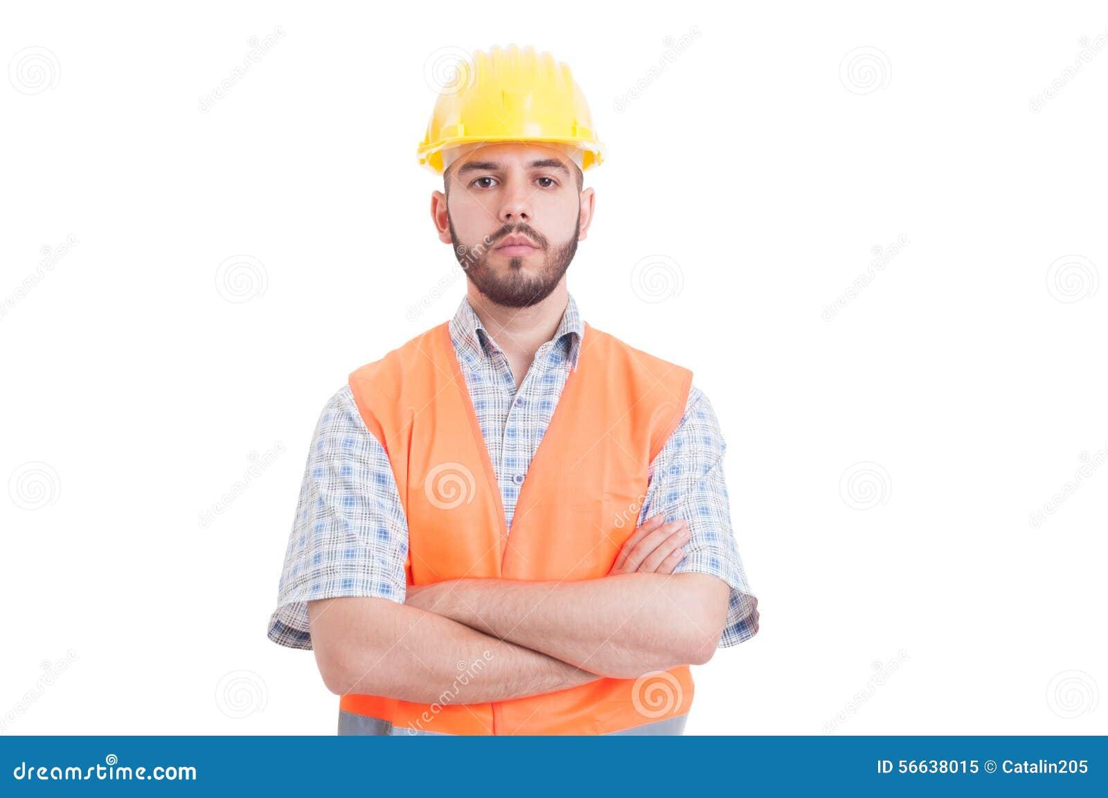 Retrato de un ingeniero joven, confiado y acertado