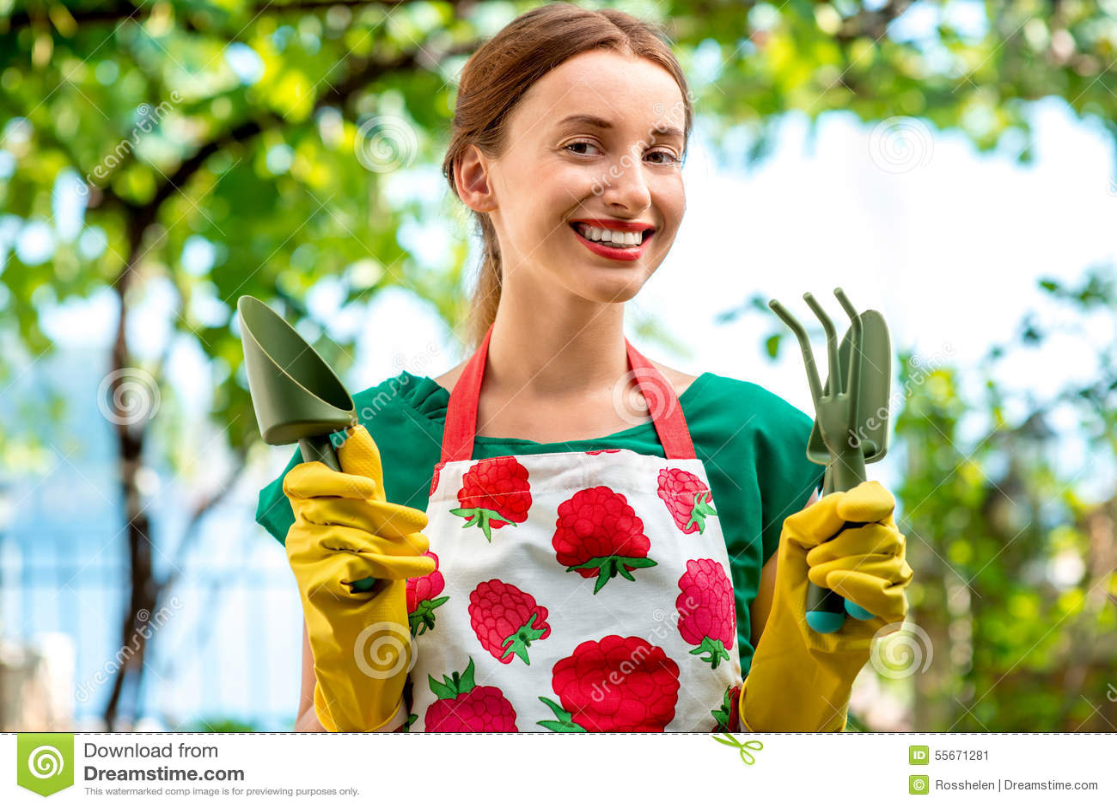 Retrato de un jardinero de la mujer joven