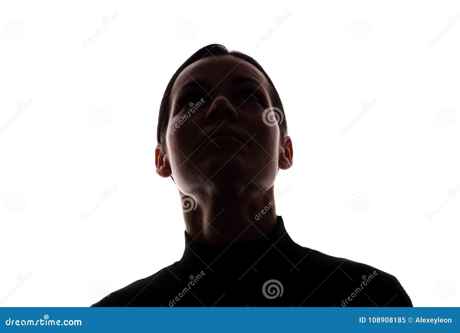 Retrato de una mujer joven, vista delantera