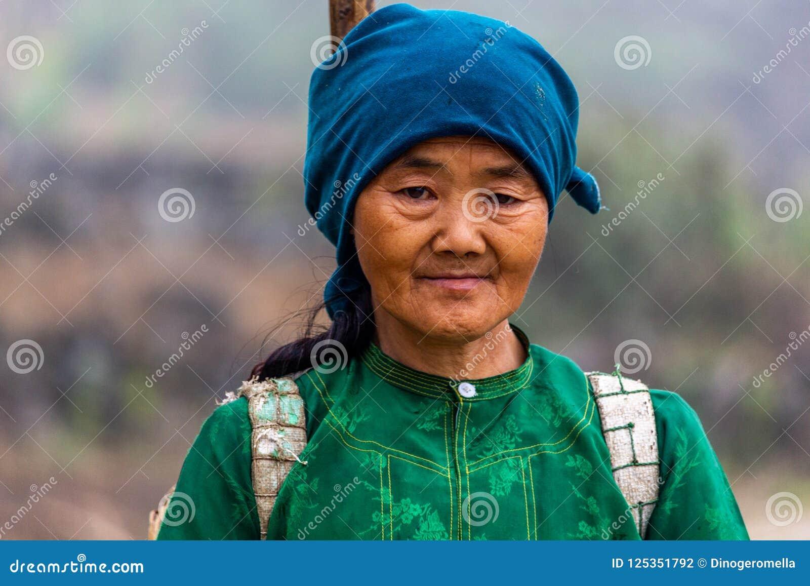 Retrato de Vietname da minoria étnica de Hmong
