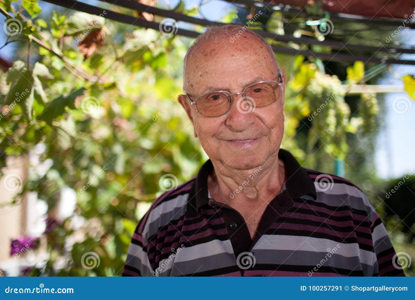 Retrato del hombre mayor