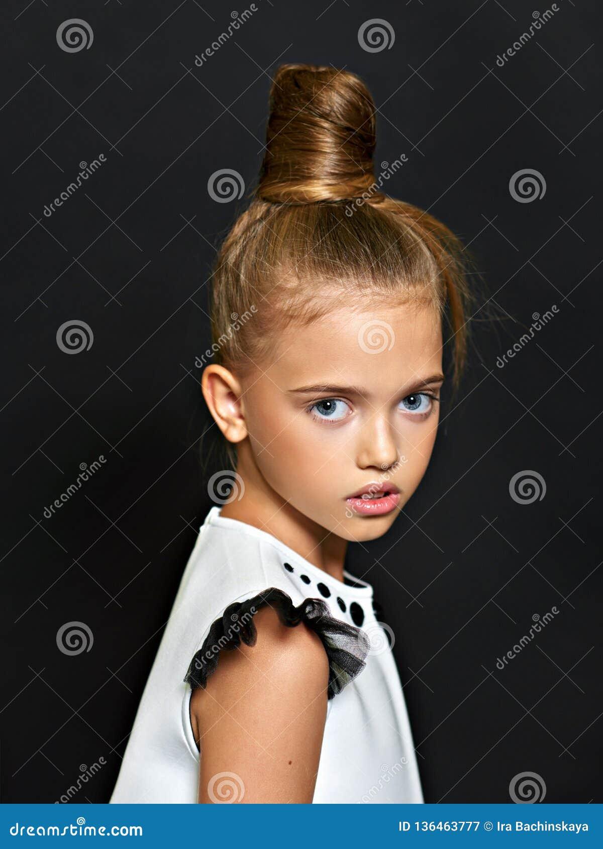 Retrato del niño hermoso