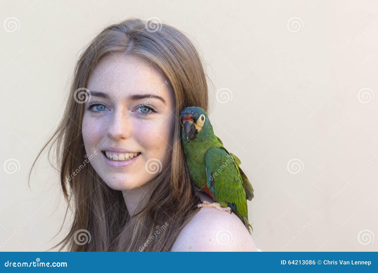 Retrato del pájaro de la muchacha