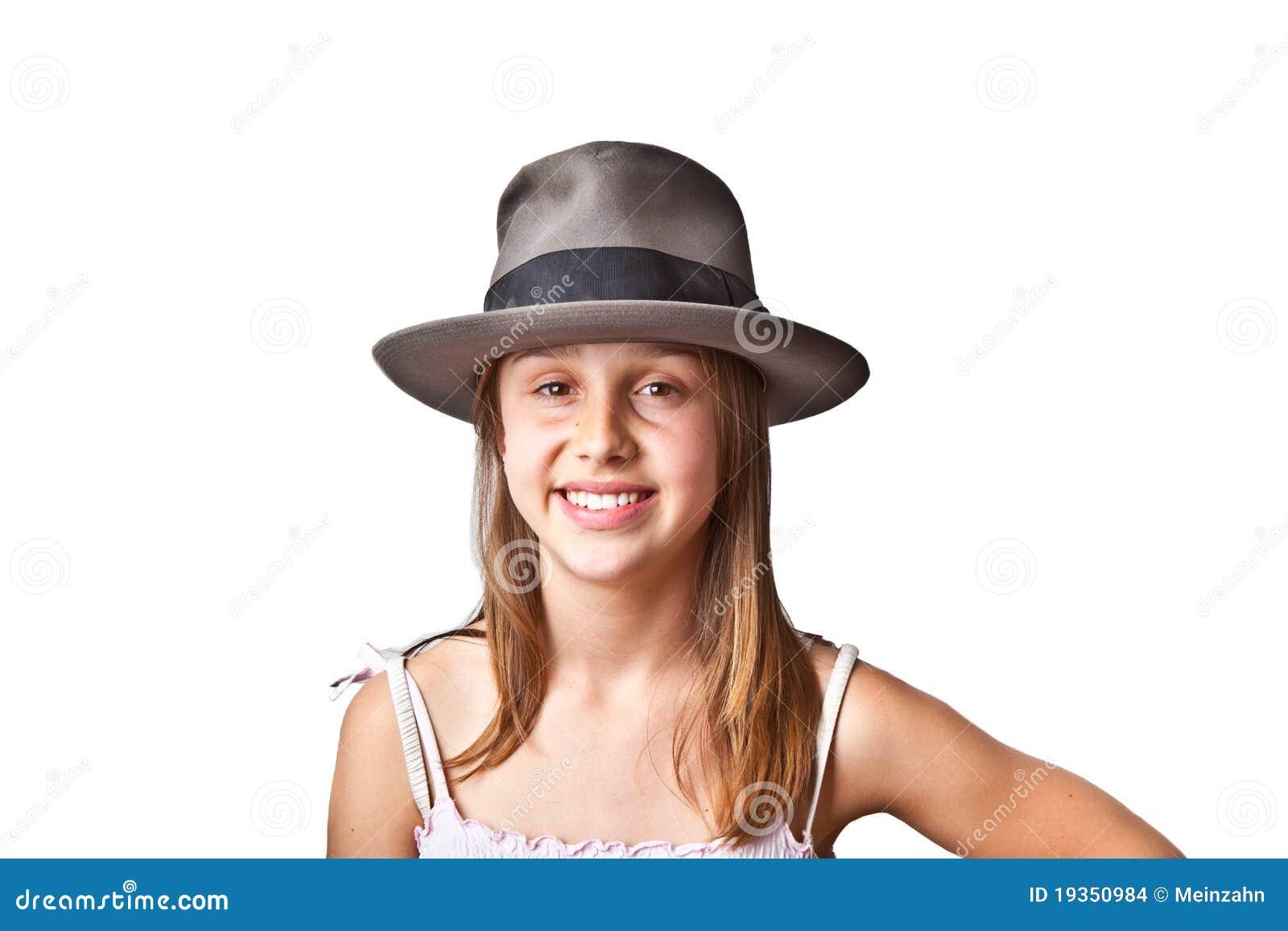 Retrato do adolescente novo bonito