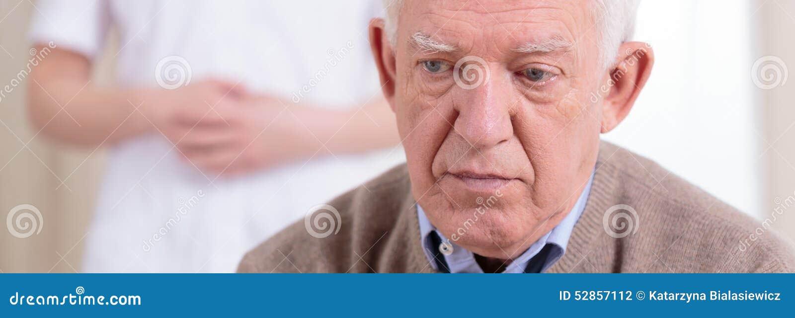 Retrato do aposentado triste