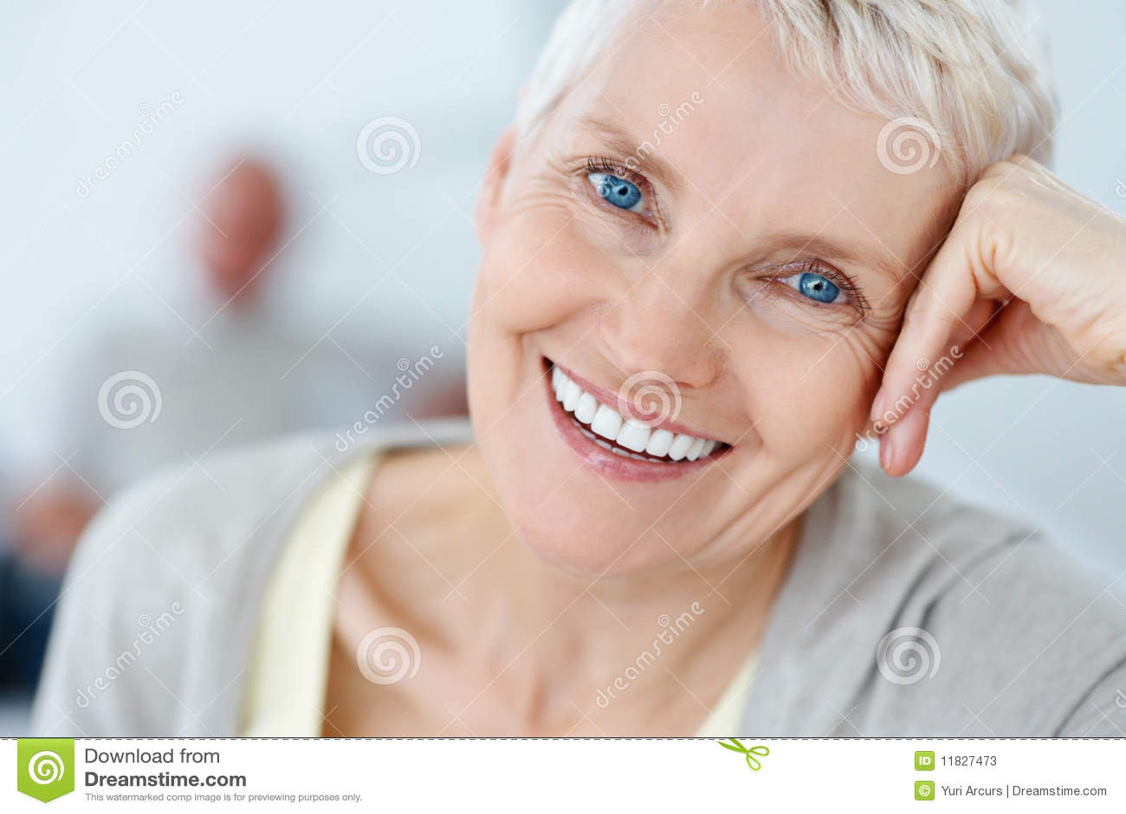 fotos de stock closeup portrait of an elderly lady imagem 11827473. Black Bedroom Furniture Sets. Home Design Ideas