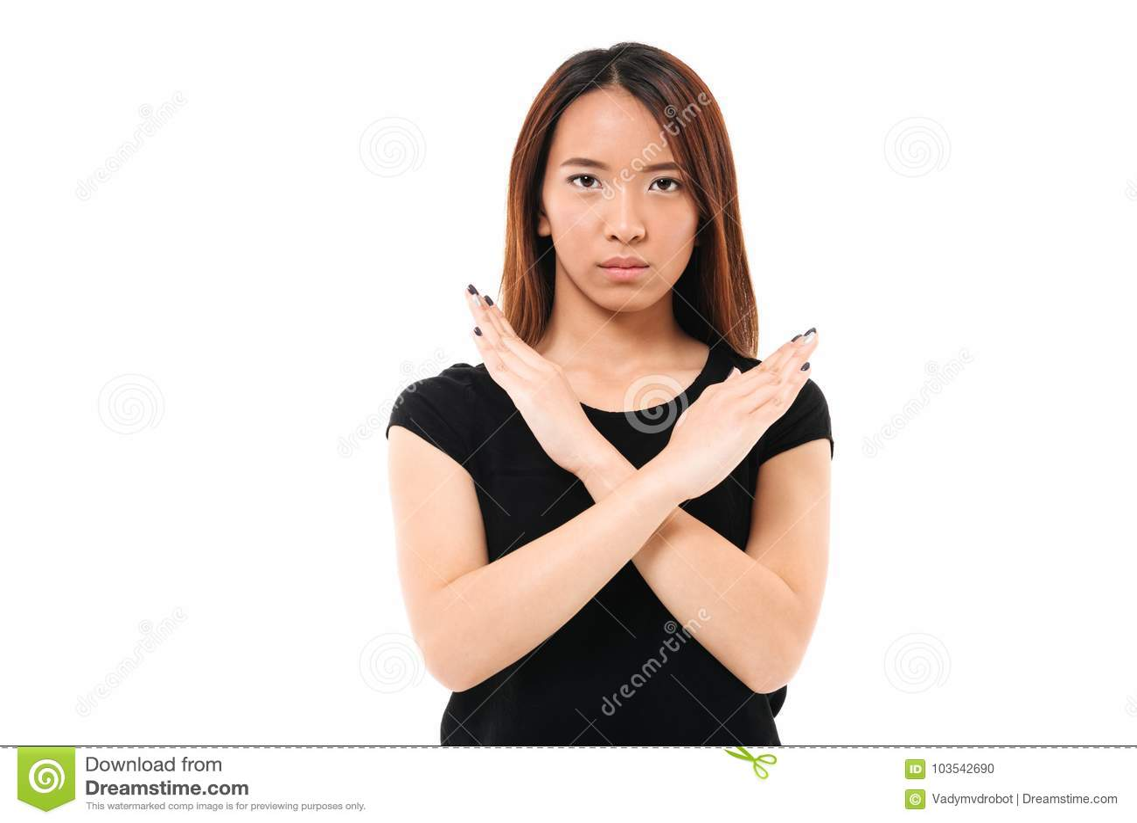Retrato do close-up do gestu asiático novo sério da parada da exibição da senhora
