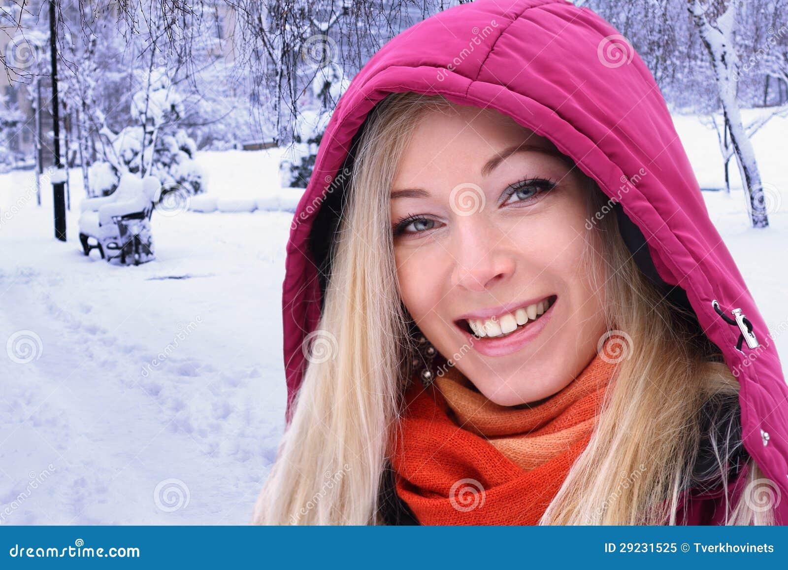 Download Retrato do inverno imagem de stock. Imagem de alegre - 29231525