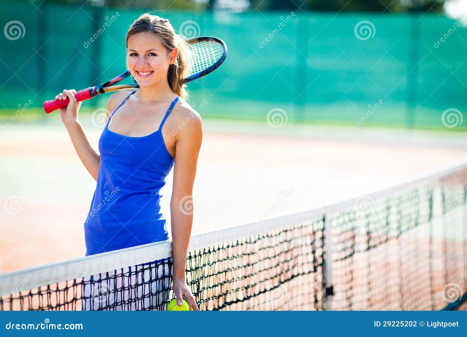 Download Retrato Do Jogador De Ténis Novo Na Corte Foto de Stock - Imagem de corte, consideravelmente: 29225202