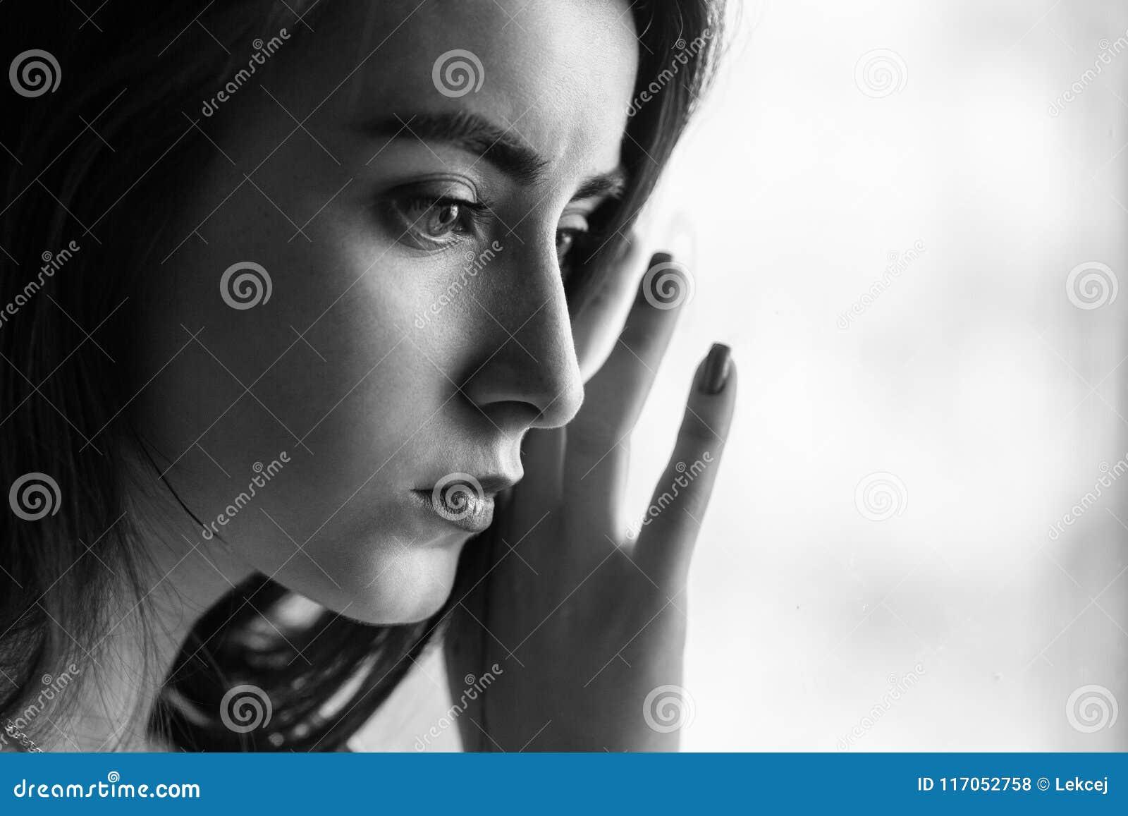 Retrato femenino triste