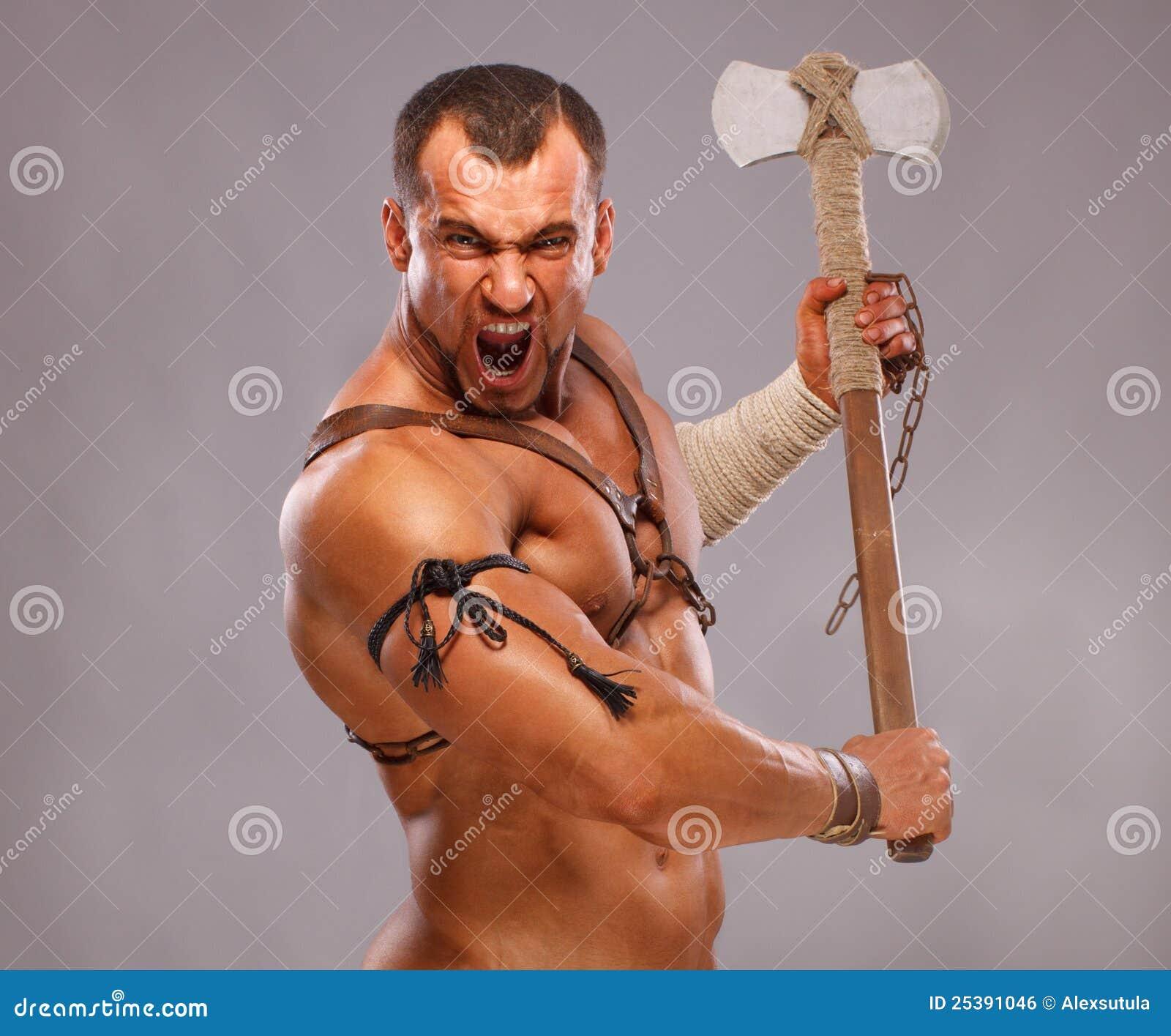 Retrato masculino muscular do guerreiro antigo