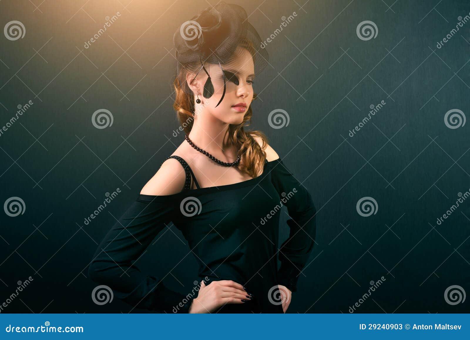 Download Retrato retro imagem de stock. Imagem de escuro, facial - 29240903