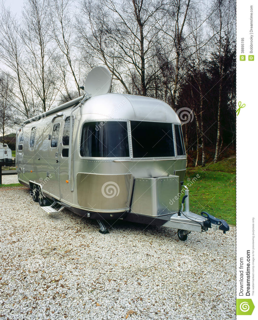 Retro american camping trailer stock image image of for Housse tyvek camping car