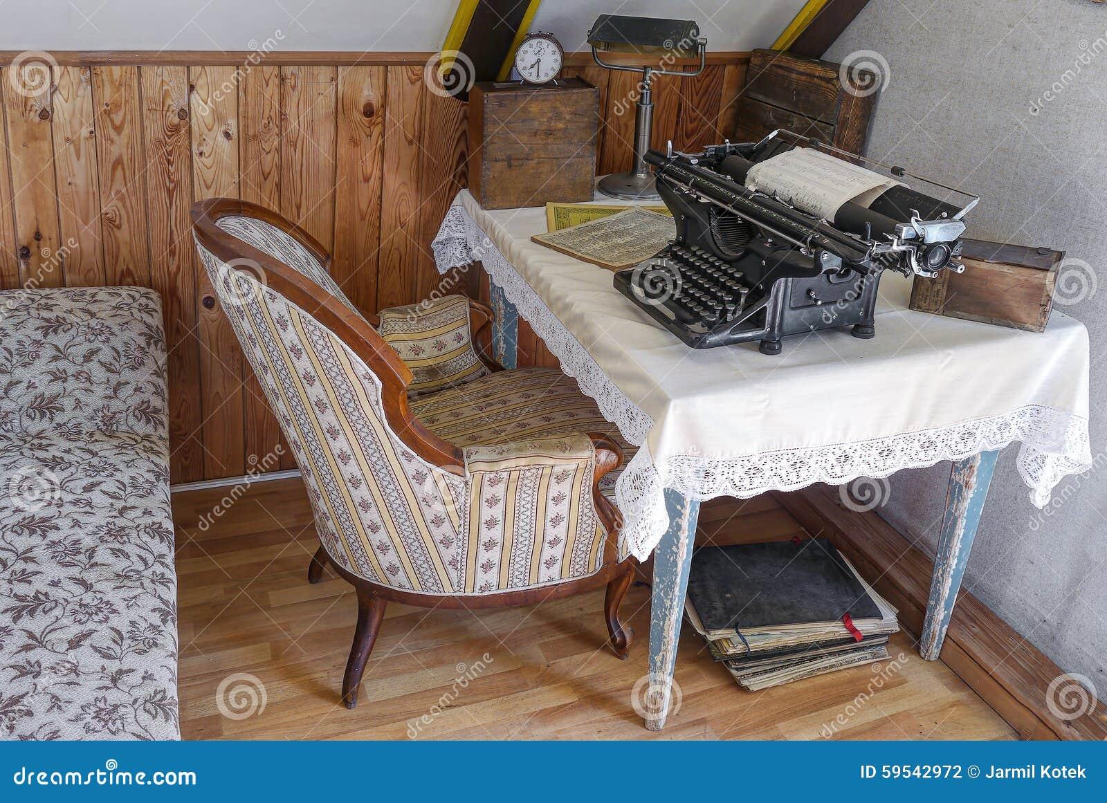Retro Buro Stockfoto Bild Von Raum Schreibmaschine 59542972