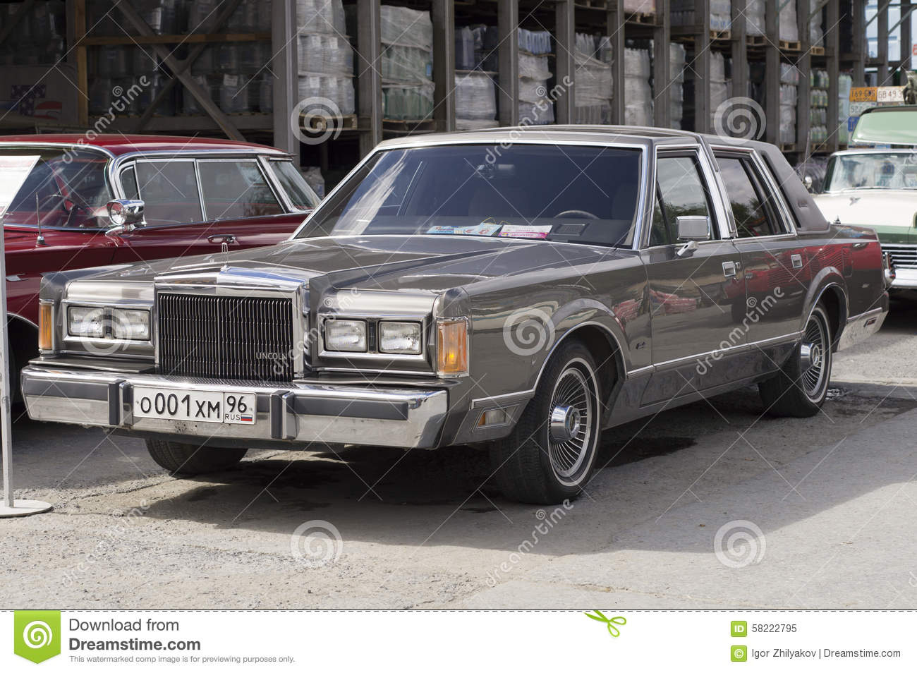 Retro Car Lincoln Town Car Editorial Image Image Of Motor 58222795