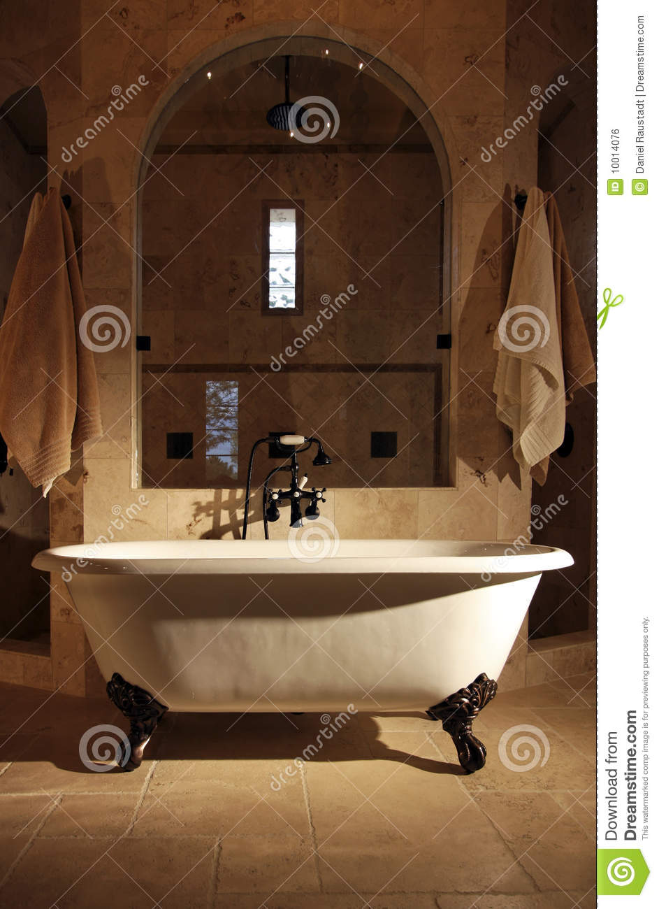 Retro Claw Foot Bathroom Tub Royalty Free Stock Image