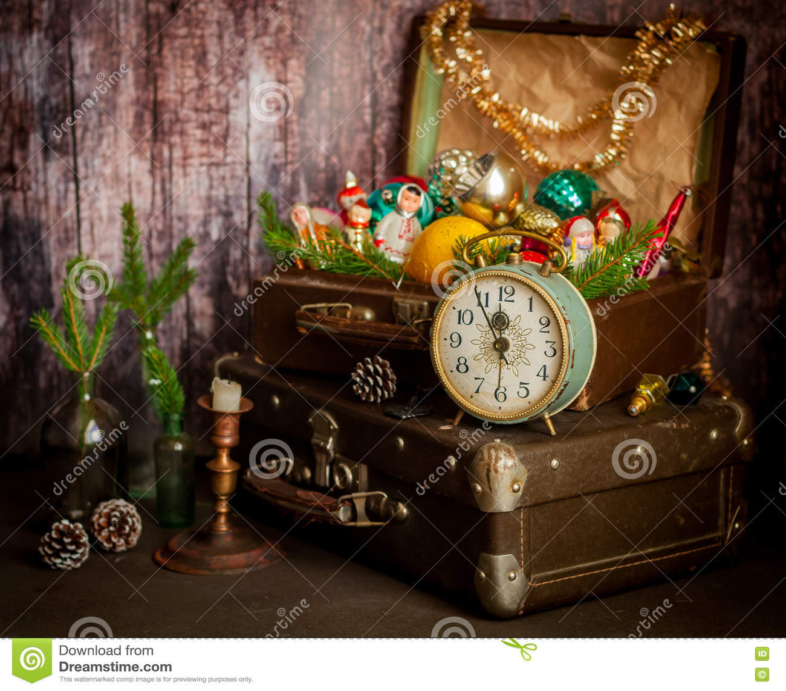 retro clock suitcases christmas tree decorations - Old Fashioned Christmas Tree Decorations