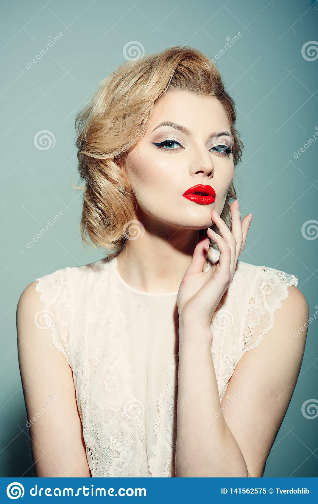 Retro donna, annata, parrucchiere, sguardo