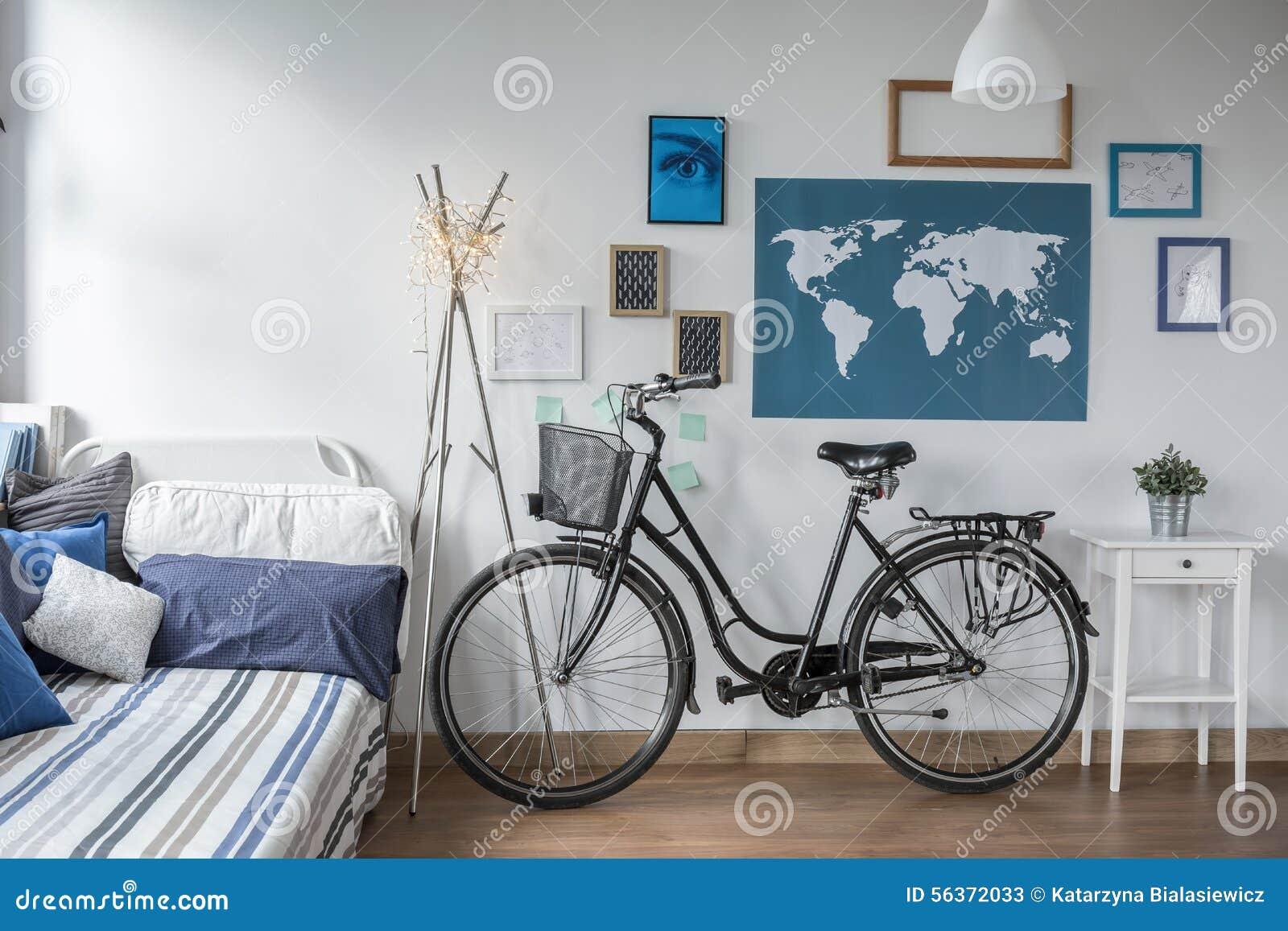 Beliebt Retro- Fahrrad Im Jugendlich Schlafzimmer Stockbild - Bild von QU06