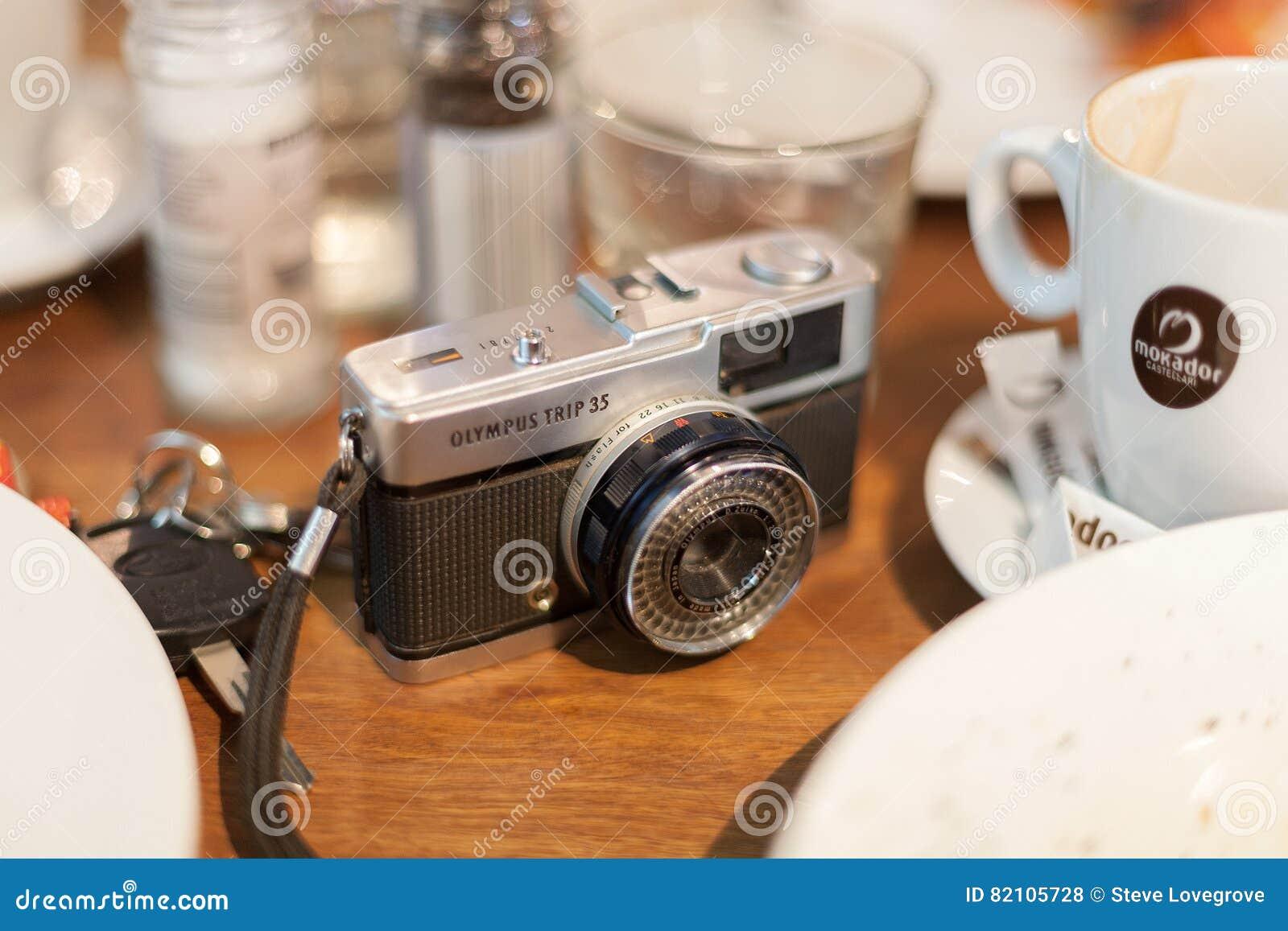 58fc55a497 Retro film camera editorial stock photo. Image of life - 82105728