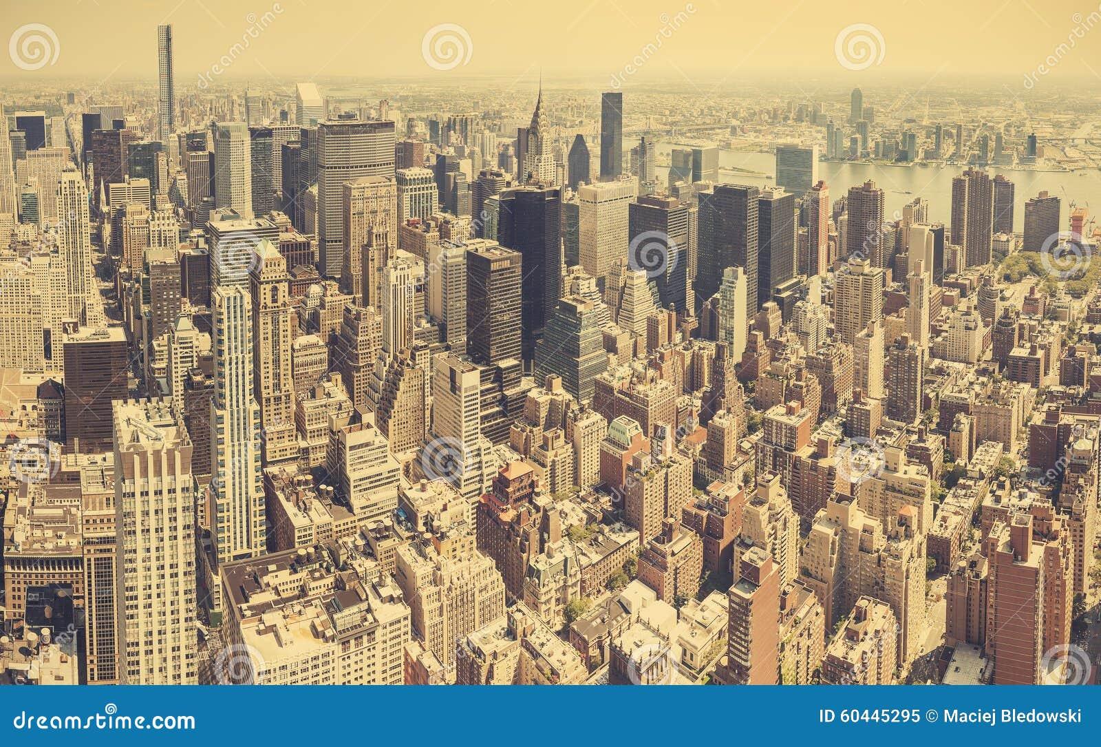 Retro gestileerde luchtmening van Manhattan