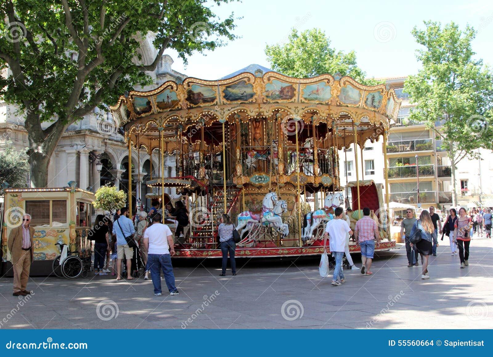 Retro karusell i Avignon, Frankrike