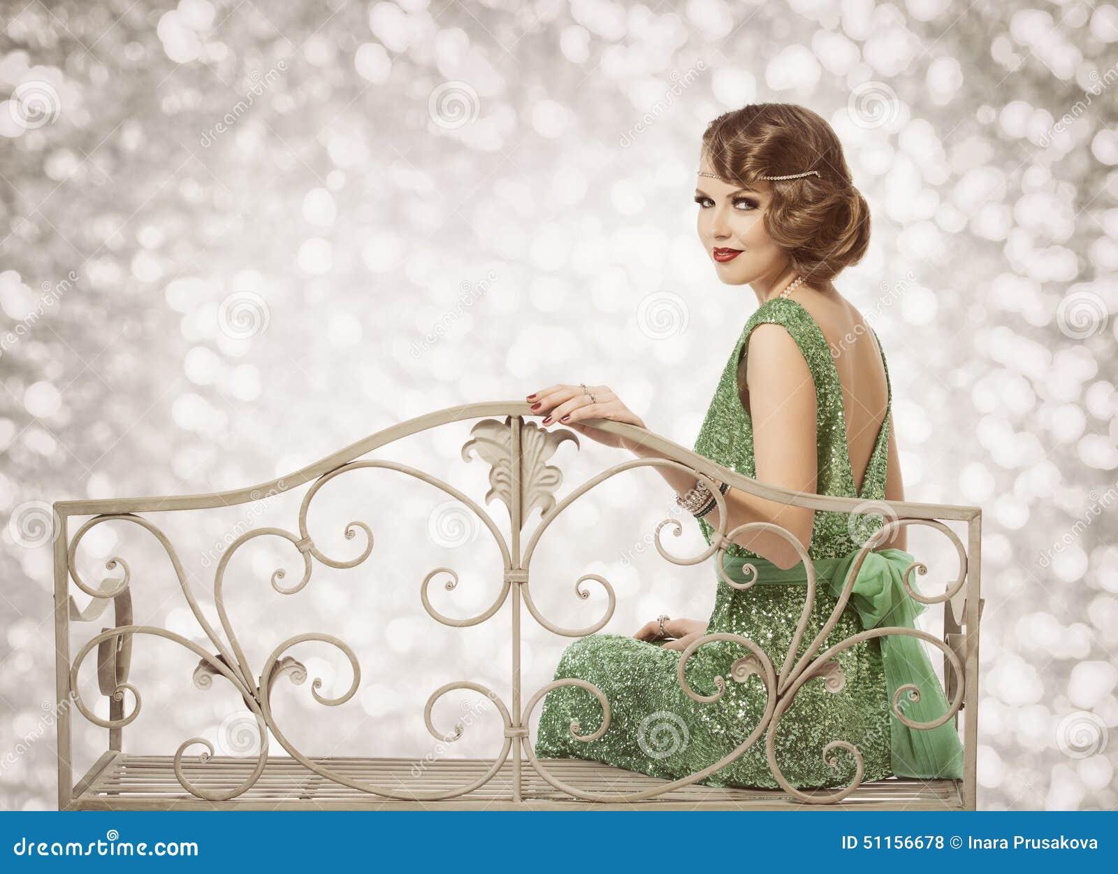 Retro kobieta portret, Piękna dama z Falowym fryzury obsiadaniem