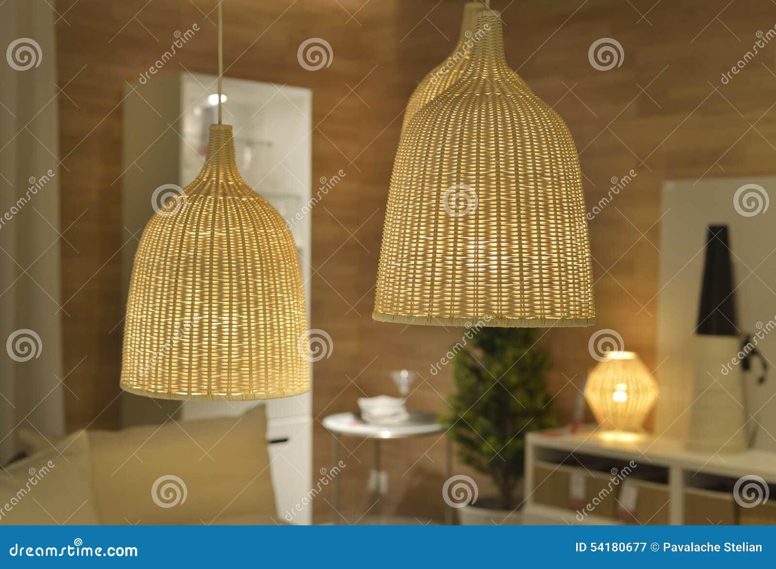 Retro Lampen In Een Eetkamer Stock Foto - Afbeelding: 54180677