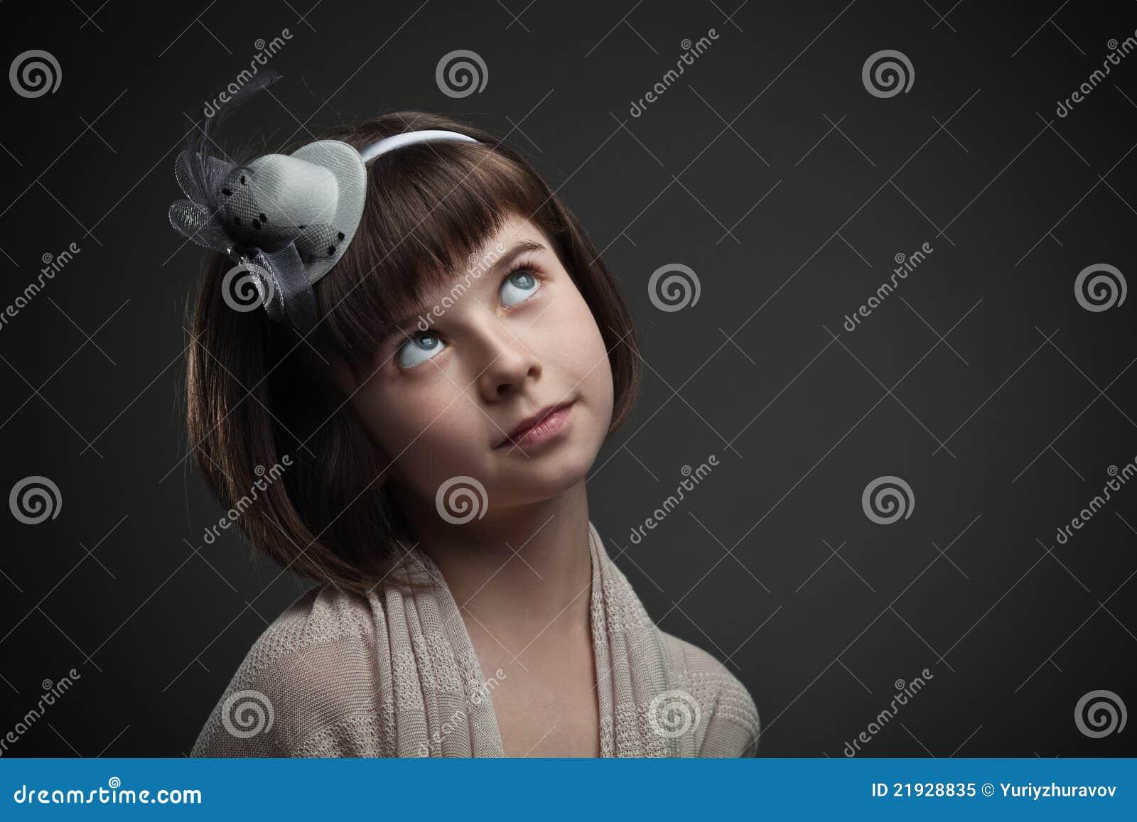 Retro portret van elegant meisje