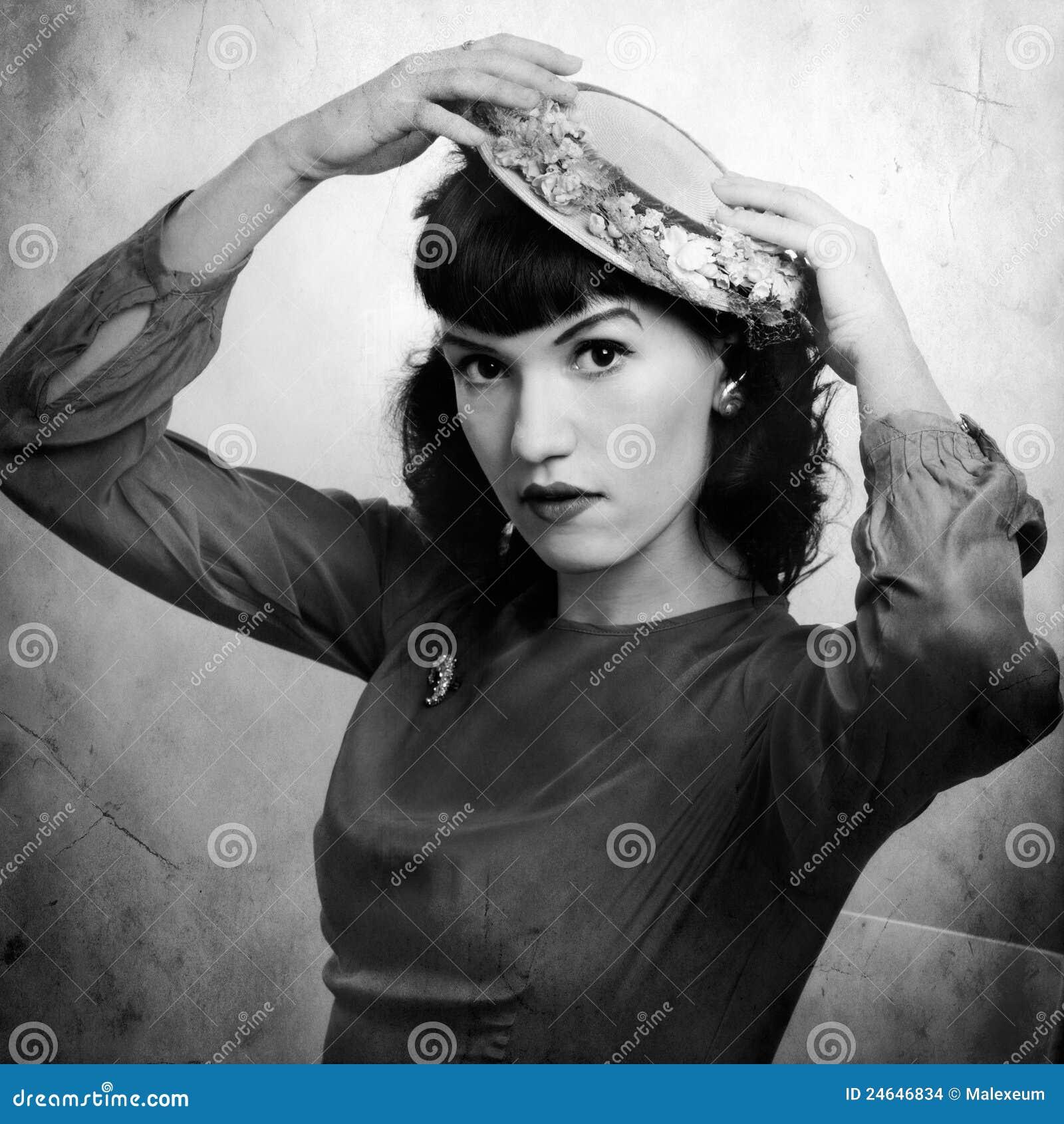 Retro Ritratto Della Donna In 1920 Immagini Stock - 1920 Hairstyle