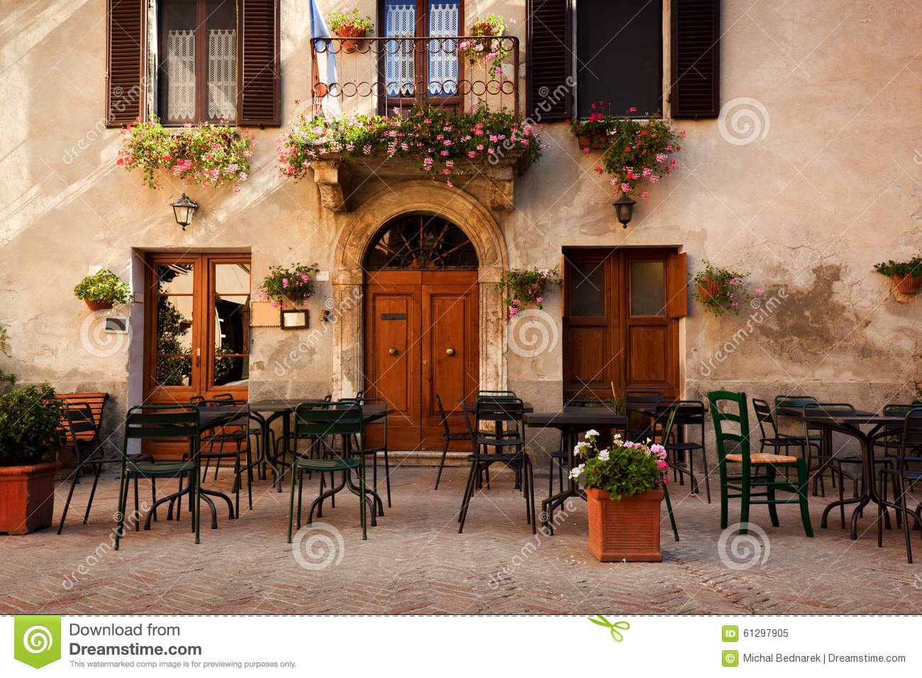 Retro Romantic Restaurant Cafe In A Small Italian Town Vintage Italy Stock Image Image Of Romantic Pienza 61297905