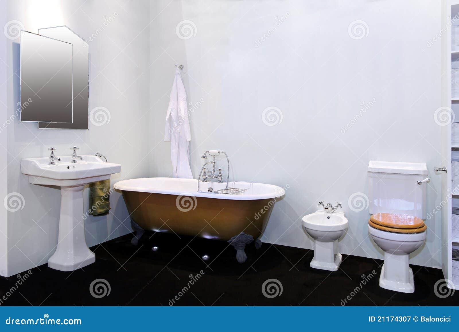 Vasca Da Bagno Retro : Retro stanza da bagno immagine stock. immagine di domestico 21174307