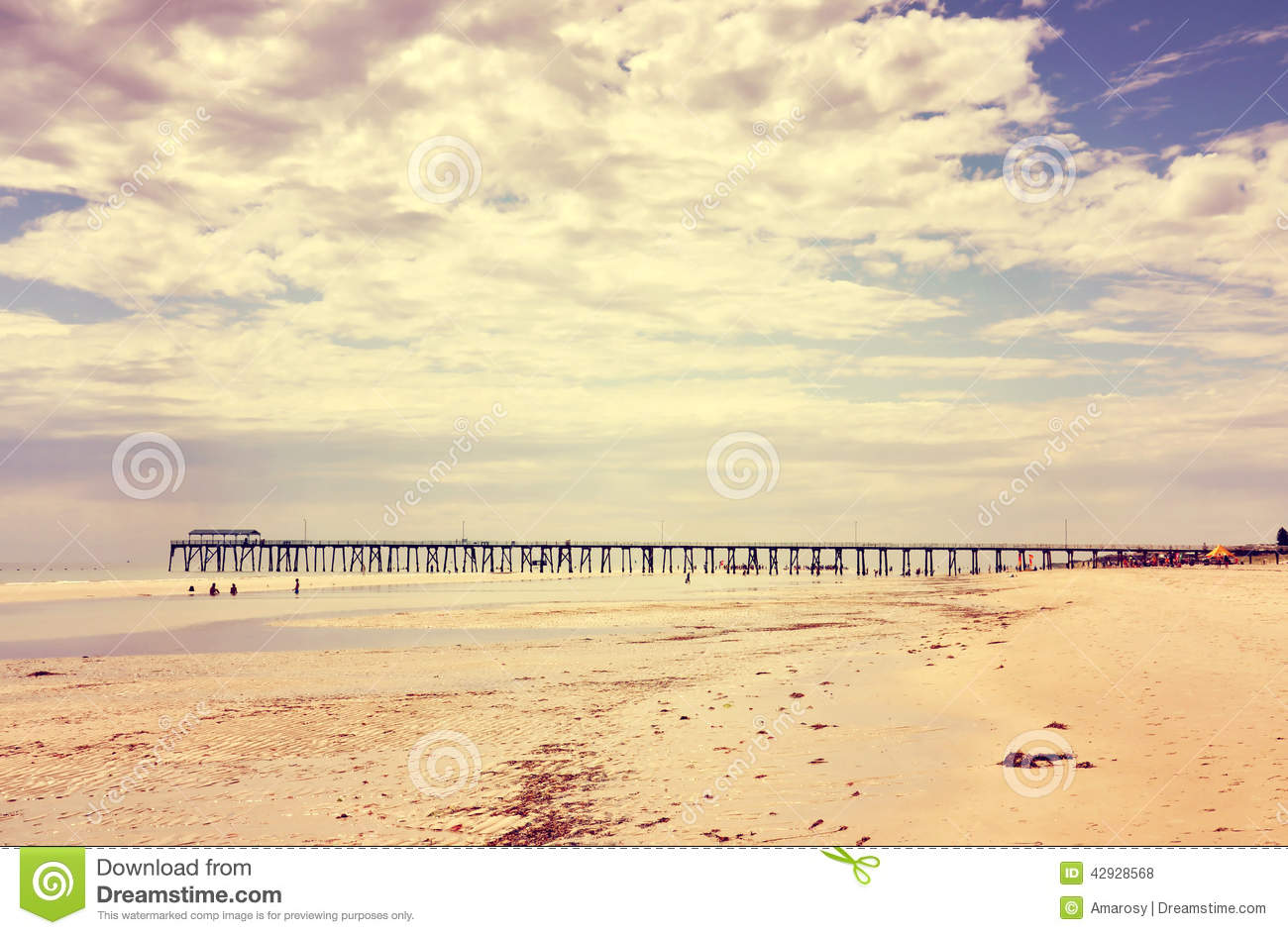 Retro Vintage Instant Filter Wide Open Beach With
