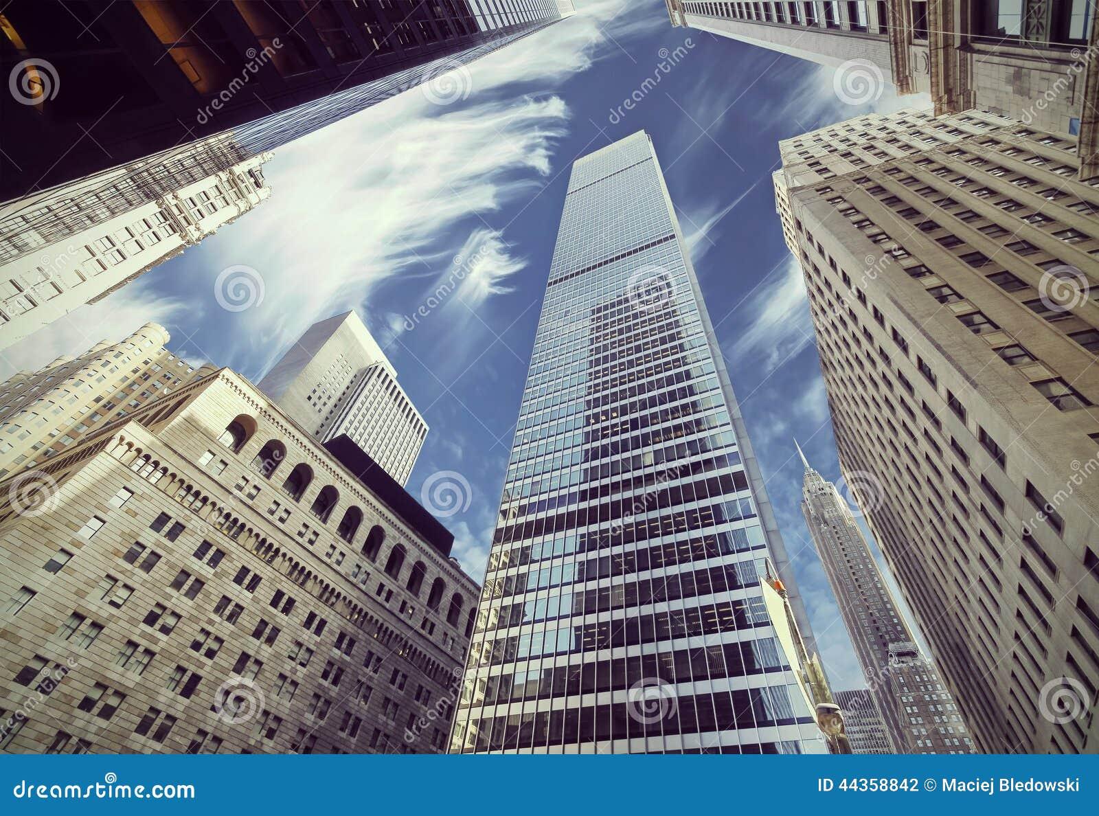 Retro vista filtrata dei grattacieli in Lower Manhattan