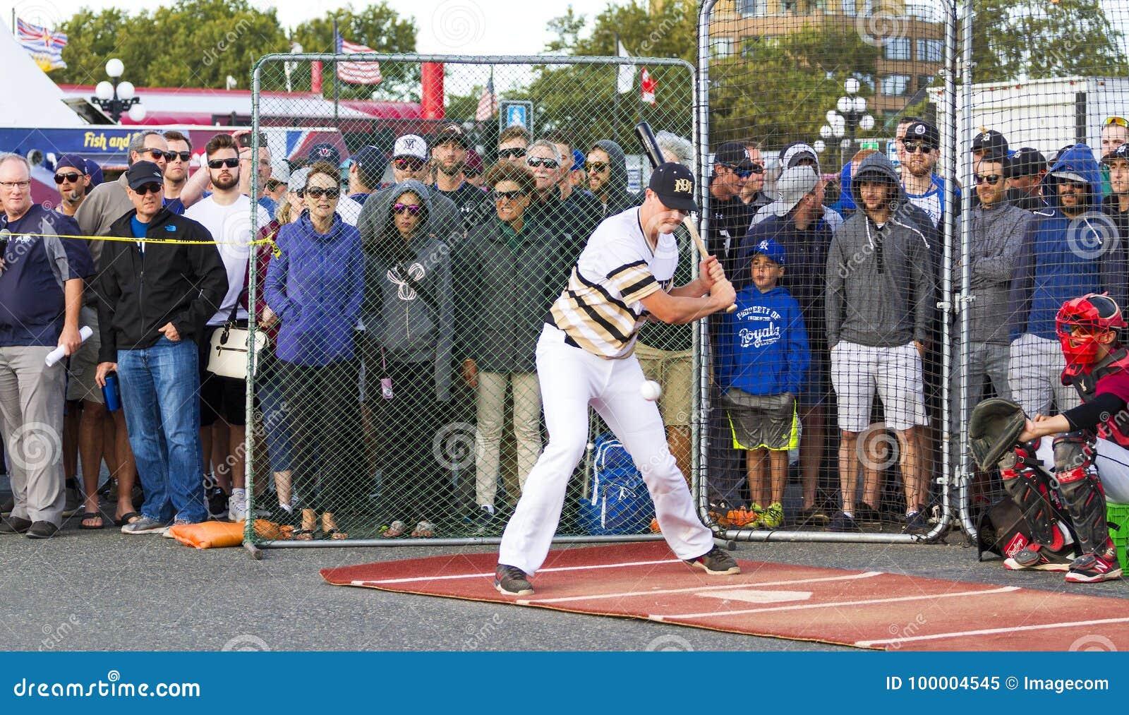 Retrocede fora nacionais superiores de Canadá Men's do basebol