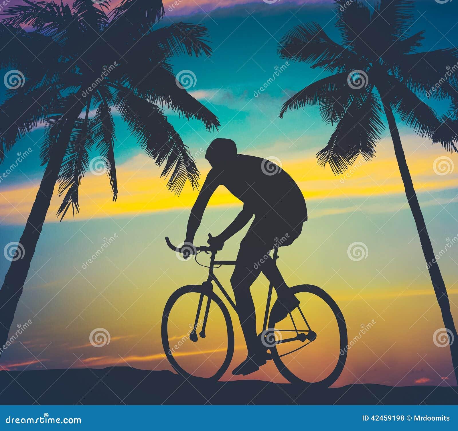 Retrostil-Palmen und Radfahrer