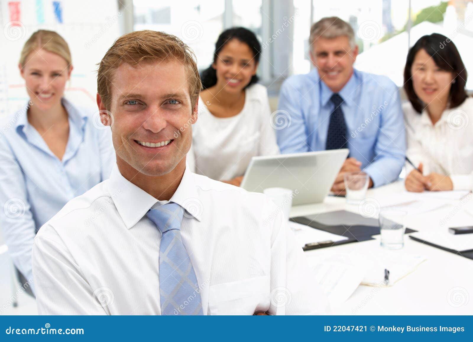 Reunião do escritório do recrutamento
