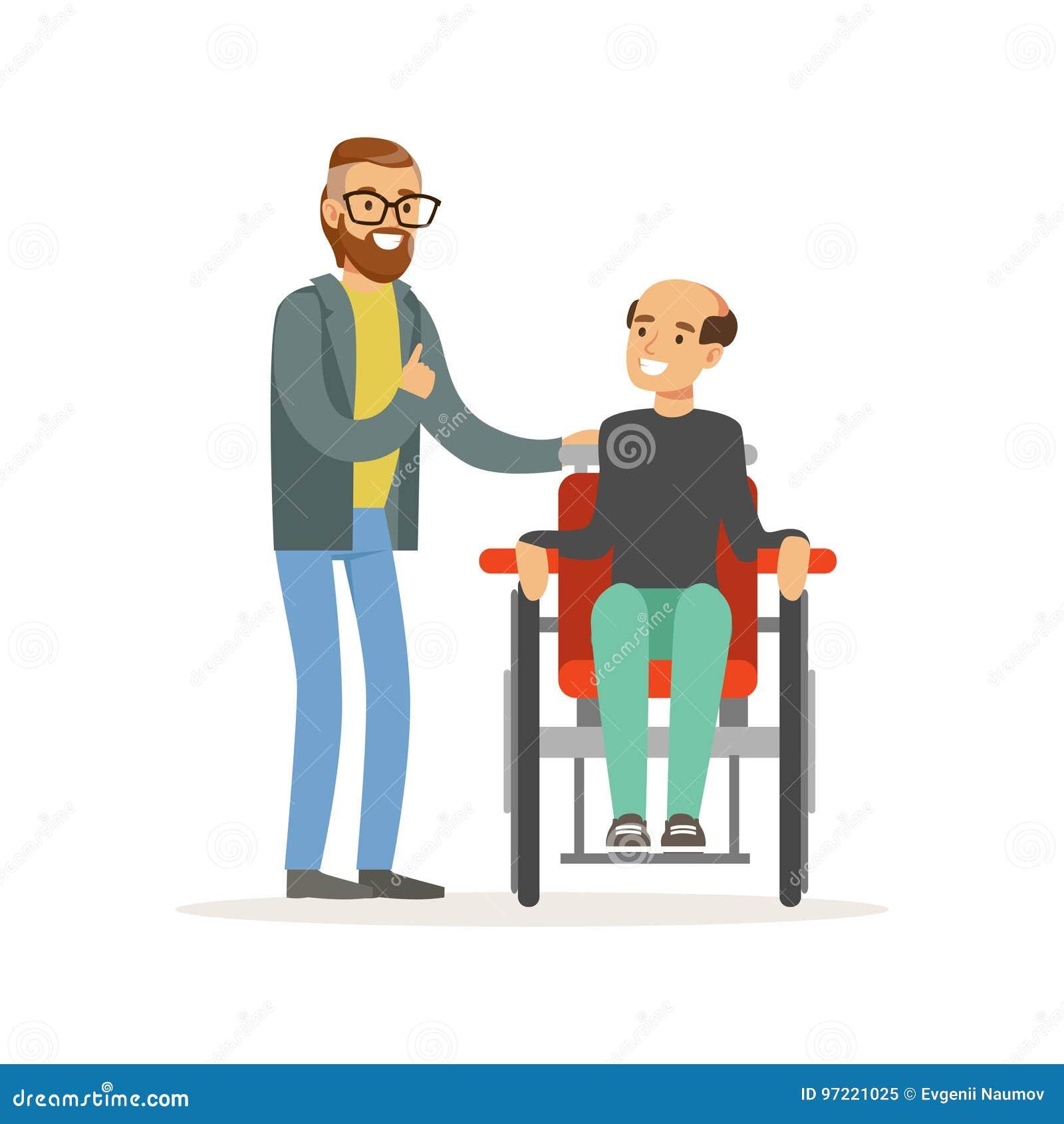 Reunião dos amigos, dos dois homens que falam, de um homem deficiente que sentam-se em uma cadeira de rodas, de auxílio dos cuida