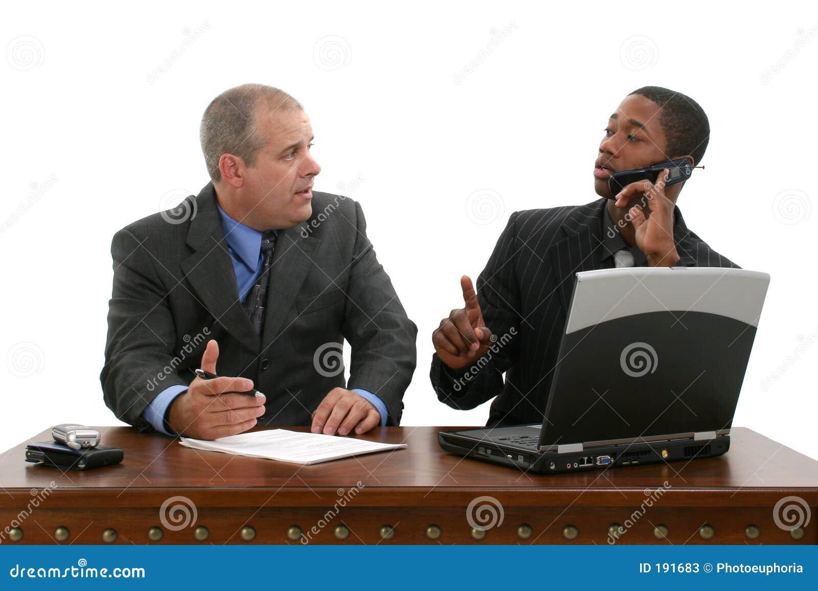 Reunión de negocios sobre asimiento