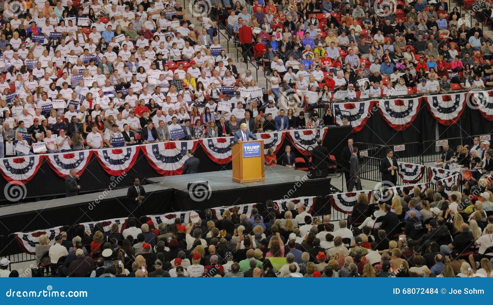 Reunión republicana de la campaña de Donald Trump del candidato presidencial en la arena y el casino del sur del punto en Las Veg