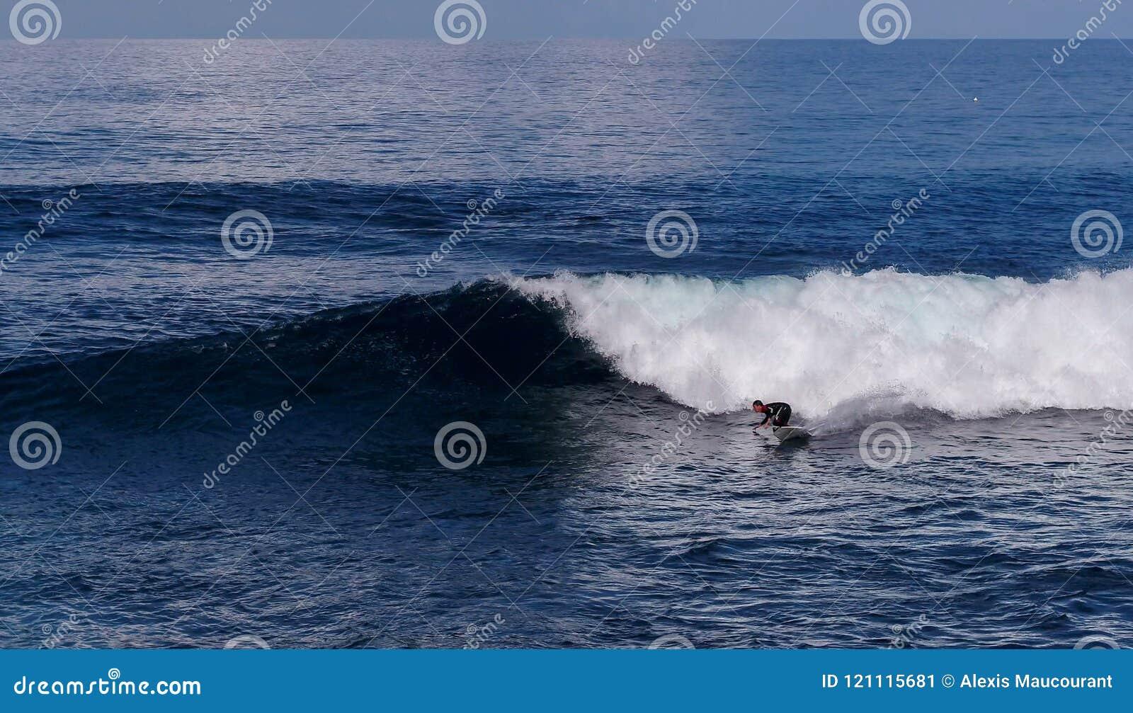 Surfer on fire !