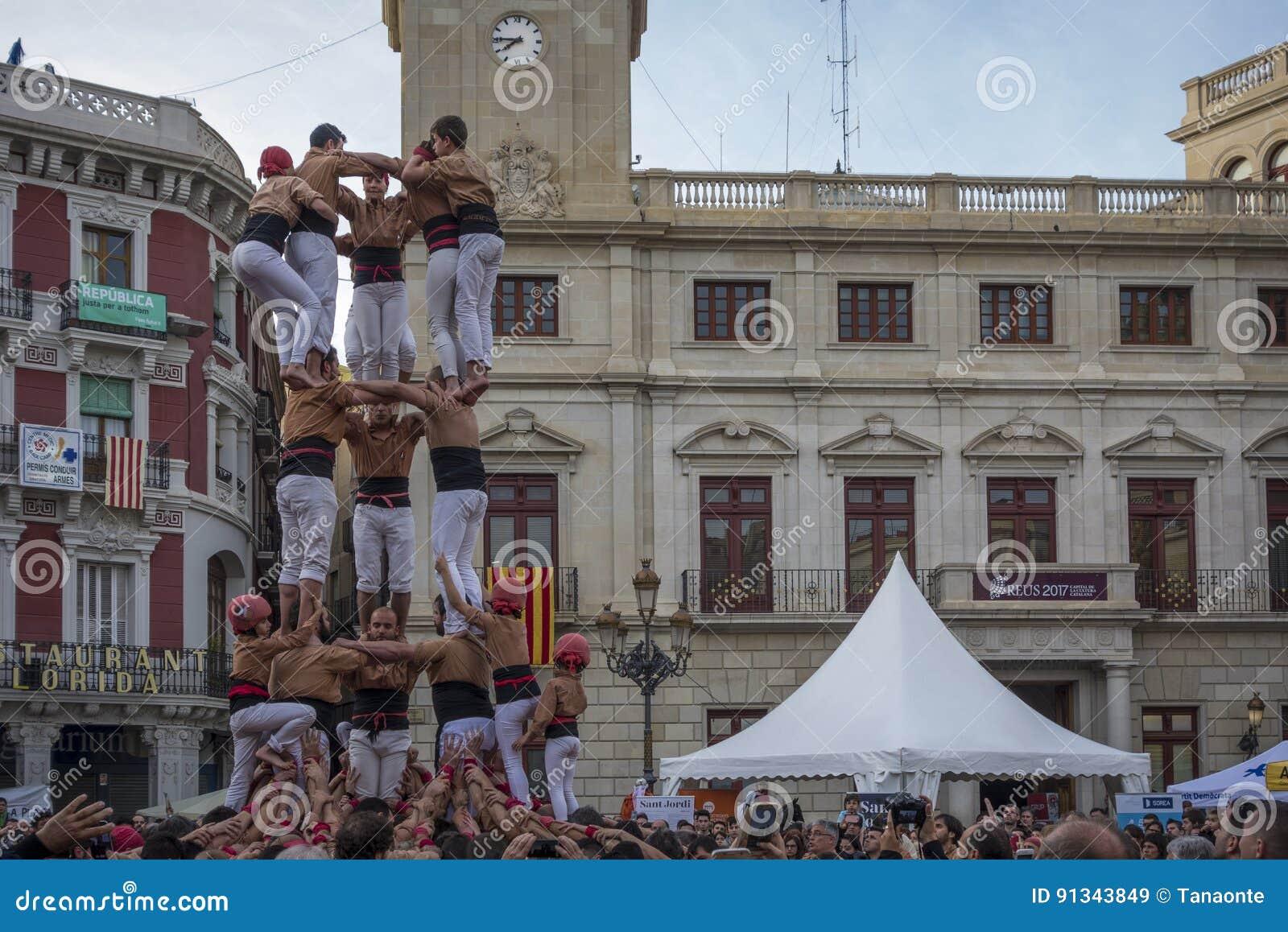 REUS SPANIEN - APRIL 23, 2017: Castells kapacitet