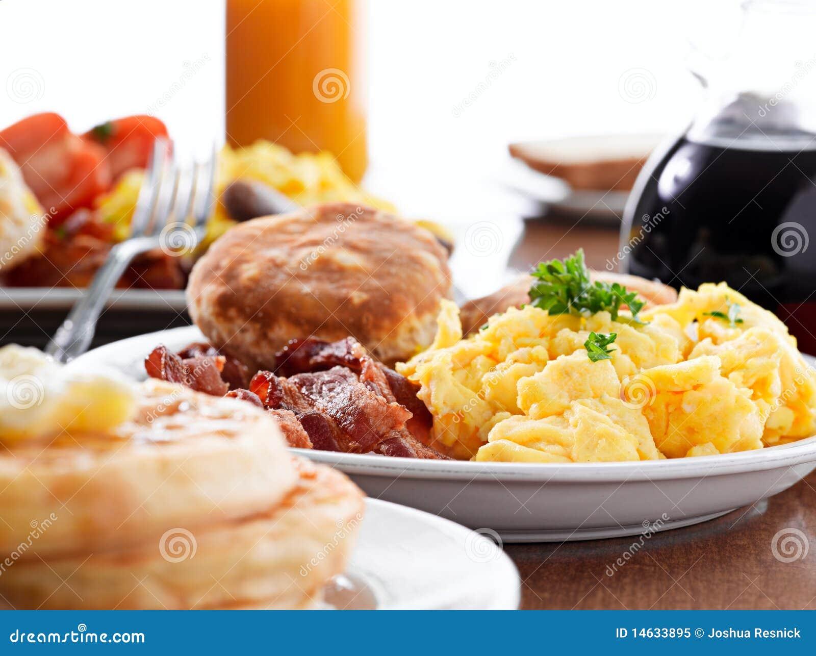 Reusachtig ontbijt