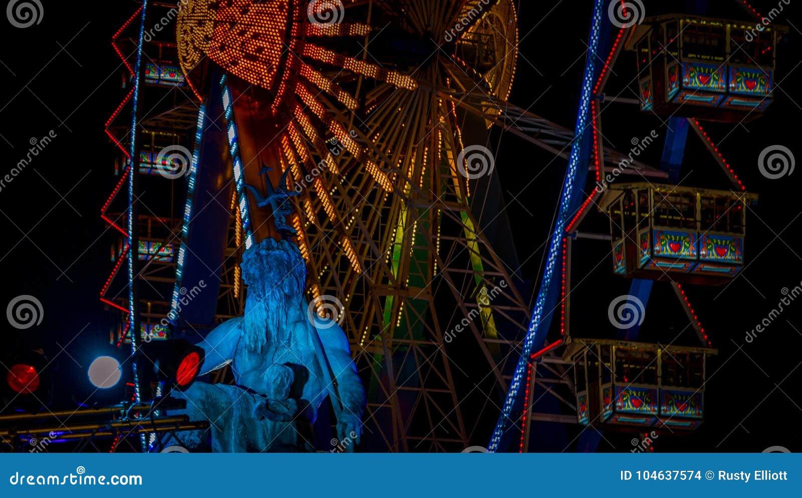 Download Reuzenrad Bij De Kerstmismarkt Stock Foto - Afbeelding bestaande uit wiel, ferris: 104637574