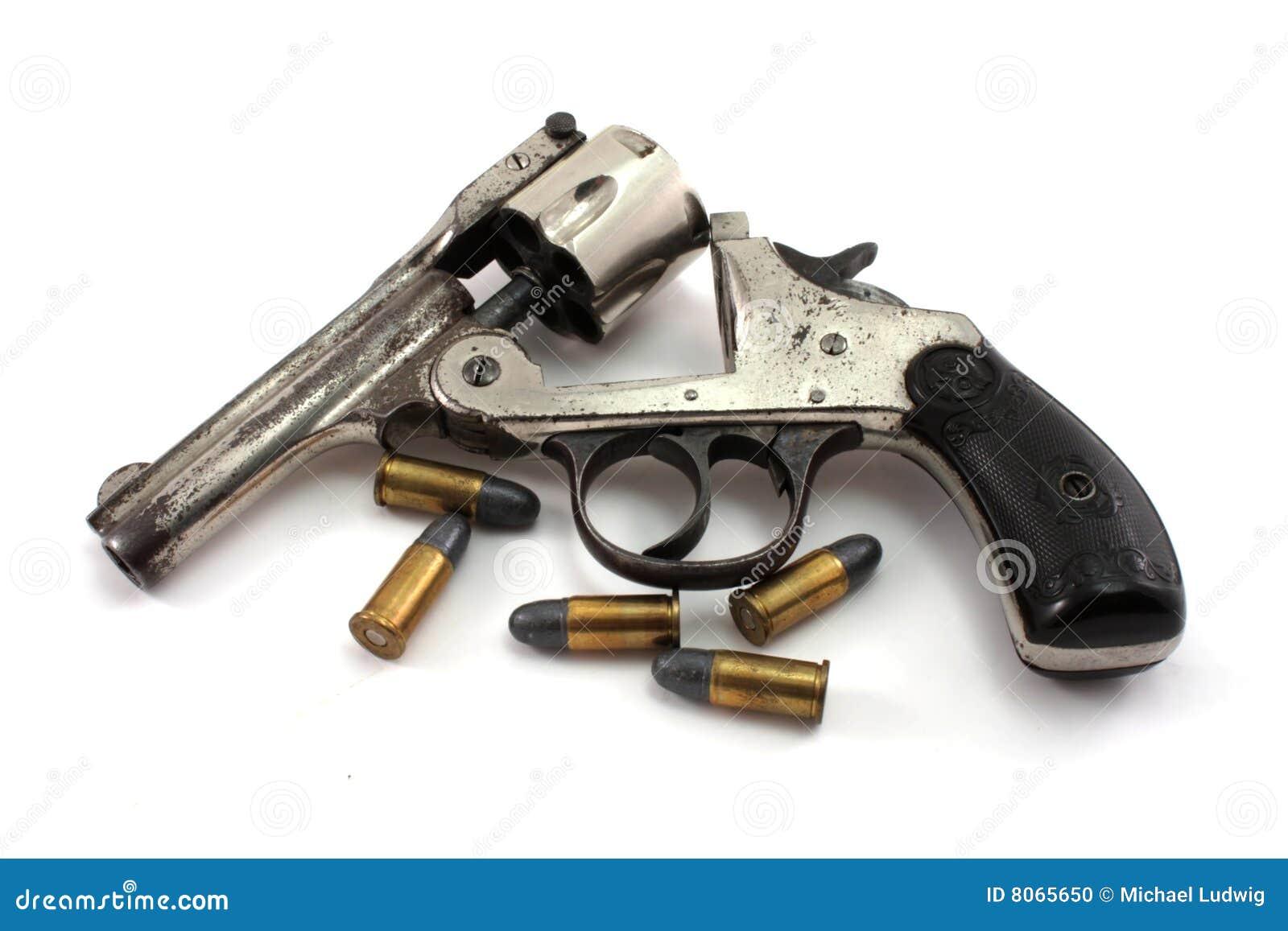Revólver e balas