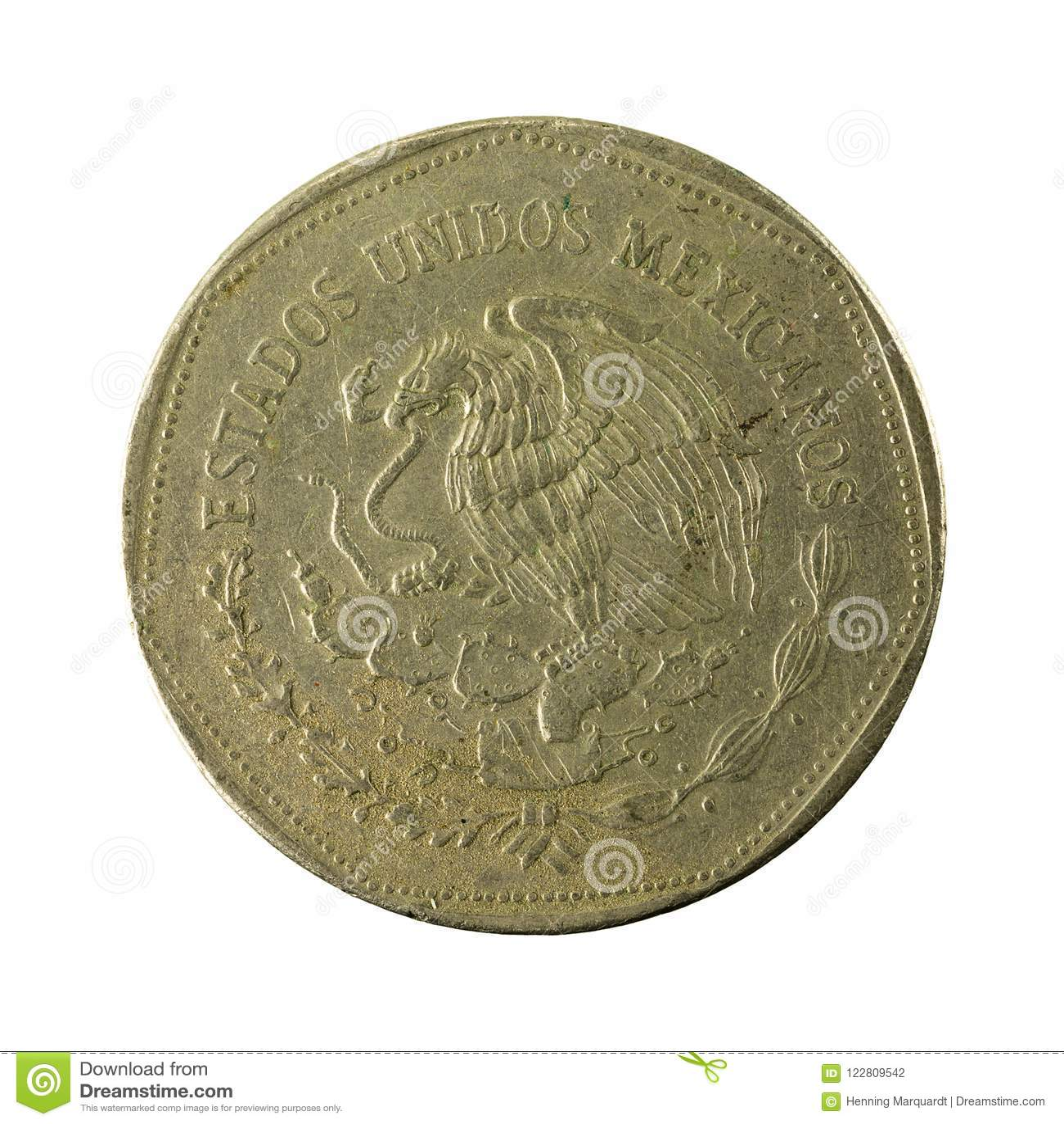 Reverso 1980 da moeda do peso 5 mexicano isolado no fundo branco